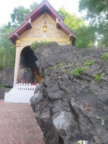 1Day-Mount Phousi (18)