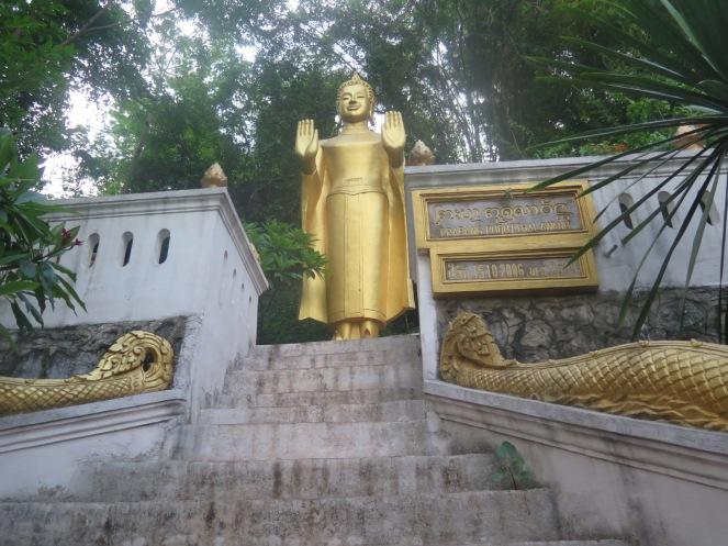 1Day-Mount Phousi (23)