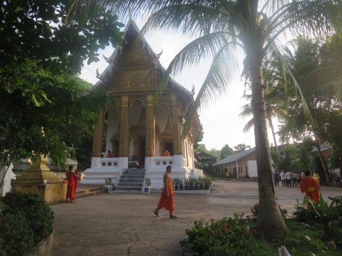 Wat Siphoutthabath Temple