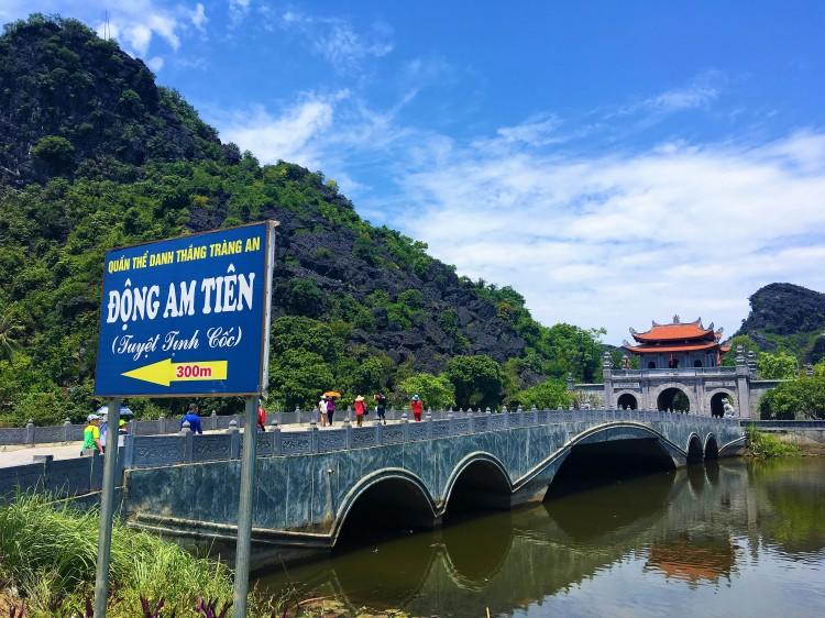 Dong Tien Am, Hoa Lu