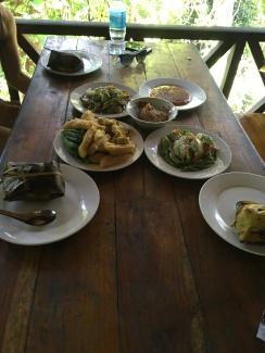 Pak Ou Cave + Lunch (2)