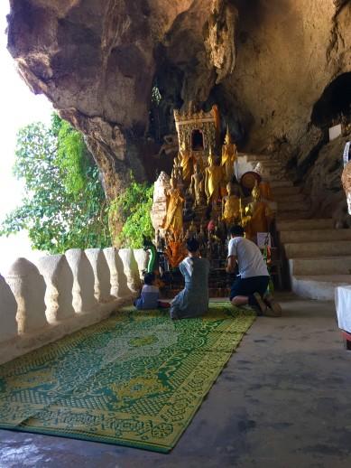 Pak Ou Cave + Lunch (25)