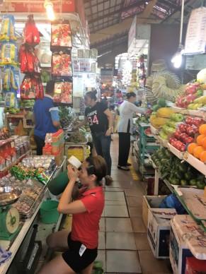 1- Jenny Caminando desde Museo hasta Ben Thanh Market (3)