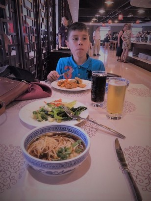 2 Xian - Delighted having lunch on our way to Terracota Warrior Site