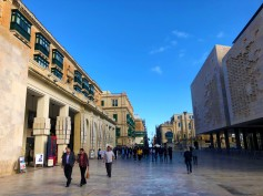 4 -Malta - Walking along Republic Street (4)