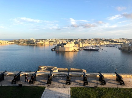 6-The Saluting Battery & Harbour (1)