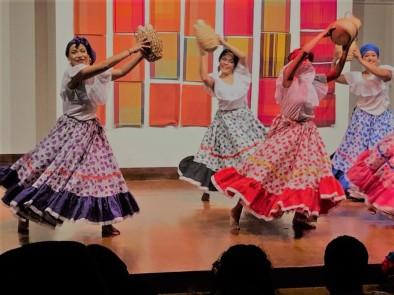 Danza Folclorica Colombiana en Londres - Grand Gala Talentos 2019 - Makerule Performed by Johanna, Jenny, Vanessa, Sandra, Francia, Tatiana. (3)