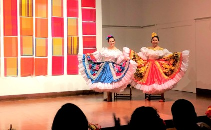 Danza Folclorica Colombiana en Londres - Grand Gala Talentos 2019 - Reinado Nacional Del Bambuco - Eleida y Denise (2)