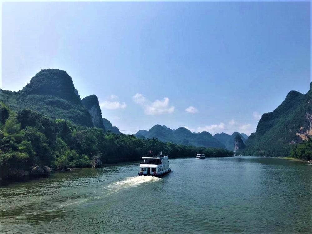Li River Cruise Journey from Mopanshan Pier to Yangshuo - By Jenny Rojas (2)
