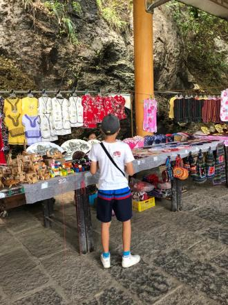 Yangshuo and West Street market, after 4 hours journey (3)