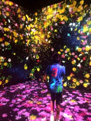 1-Entrando al museo primera vista - Forest of Flowers and People - Lost - Inmersed and Reborn - By JennyRojas (6)