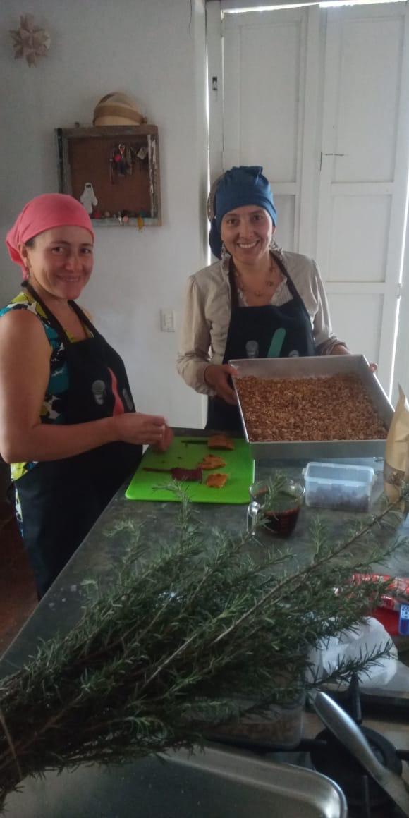 Frutos Conciencia Barichara - Barichara, Margarita and her team
